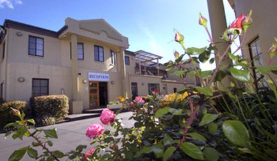 Parklands Hotel & Apartments