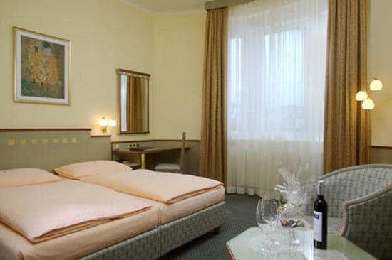 Hotel Erzherzog Rainer: GUESTROOM