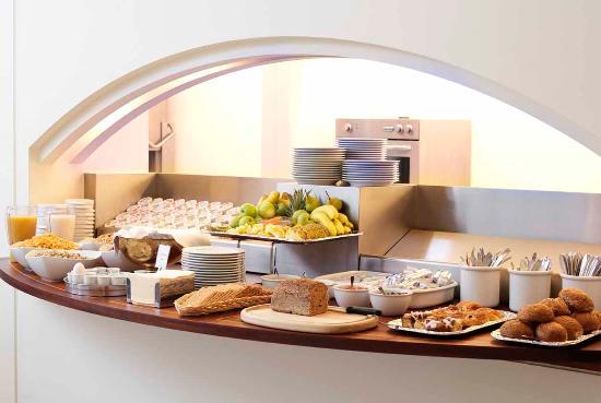 BEST WESTERN Hotel City: Breakfast buffet