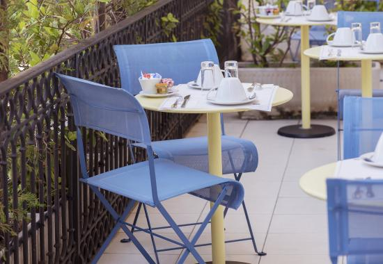 Breakfast terrace foto di best western alba hotel nizza for Breakfast terrace