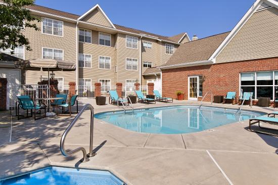Residence Inn Knoxville Cedar Bluff: Outdoor Pool