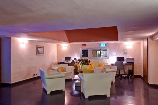 BEST WESTERN Hotel Plaza: Interior