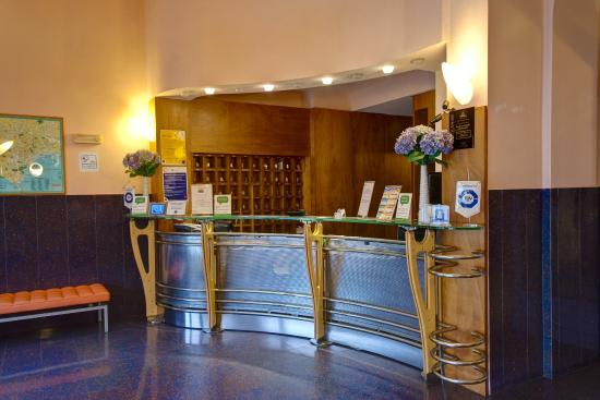 BEST WESTERN Hotel Plaza: Reception