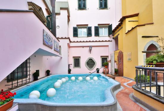 Rivoli Boutique Hotel: Pool