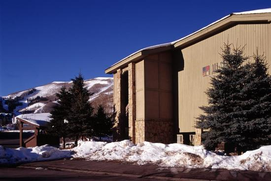 All Seasons Condominiums : Exterior