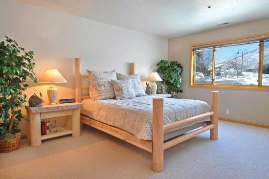 All Seasons Condominiums: Bedroom
