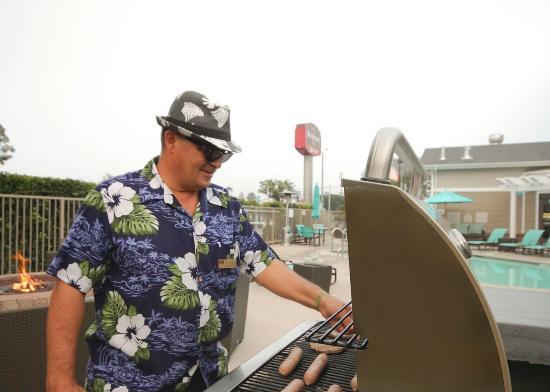 Residence Inn Los Angeles LAX/Manhattan Beach: BBQ Tuesdays
