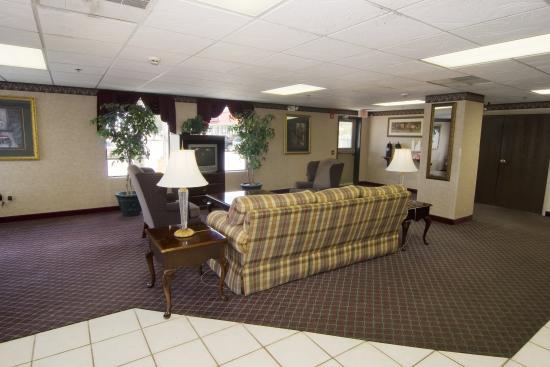 Quality Inn Fitzgerald: Lobby