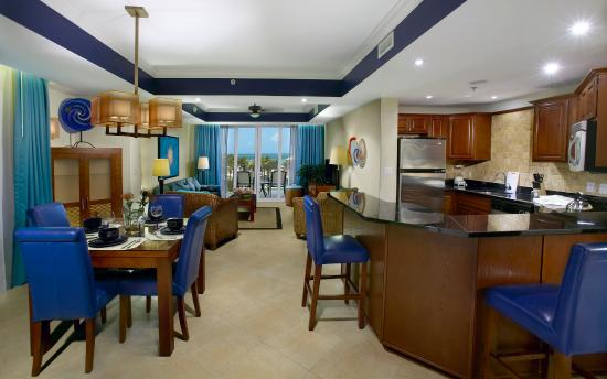 Divi Aruba Phoenix Beach Resort: Beach Tower Suite