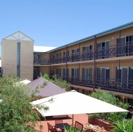 Aurora Alice Springs: Exterior