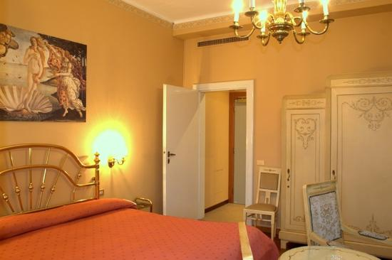 Metropole Suisse Hotel: Guest Room
