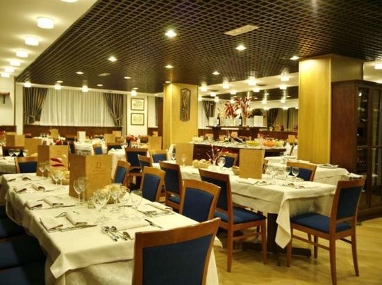 Hotel Les Jumeaux Courmayeur: Restaurant
