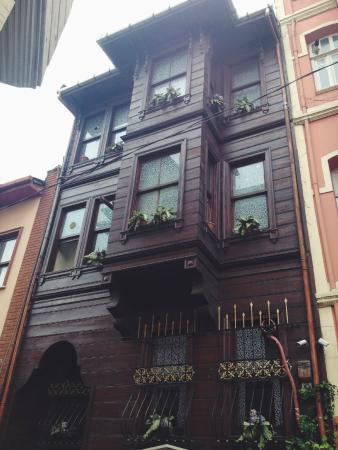 Golden Horn Guesthouse: Beautiful building