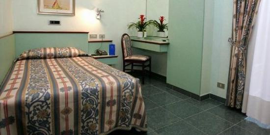 Le Petit Hotel: Single Guest Room