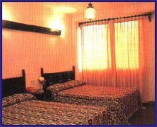 Maria De Lourdes: Room