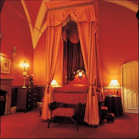 Lumley Castle Hotel: King James Suite