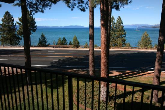 Hotel Azure Lake View Queen