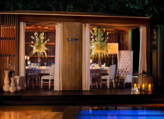 W South Beach: Reception Setup Cabana
