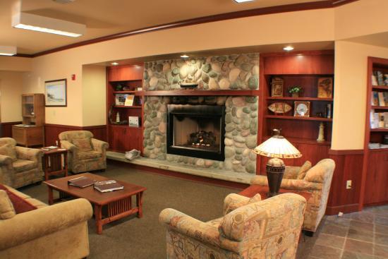 Tolovana Inn Welcoming Lobby