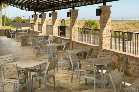 Four Points by Sheraton Jacksonville Beachfront: Outdoor Terrace - Seating