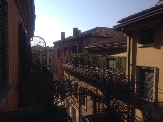 VeronAntica B&B: Veduta dal terrazzo