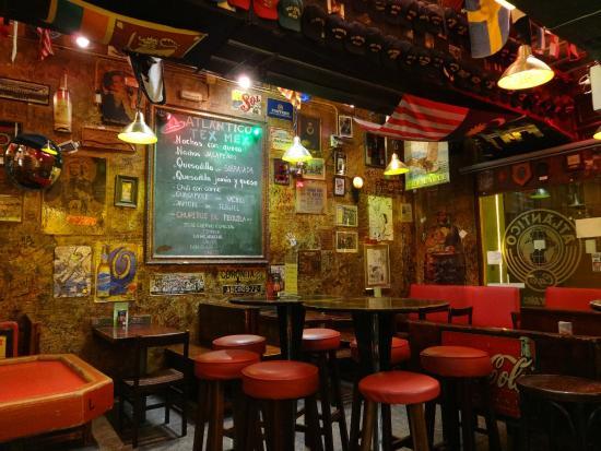 Una decoraci n que os encantar caf atl ntico bar palma - Decoracion de cafeterias ...