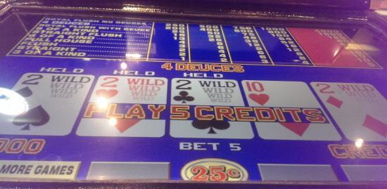 Oxford Casino: Deuces Wild