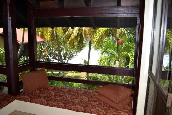 Renaissance St. Croix Carambola Beach Resort & Spa: Screened patio