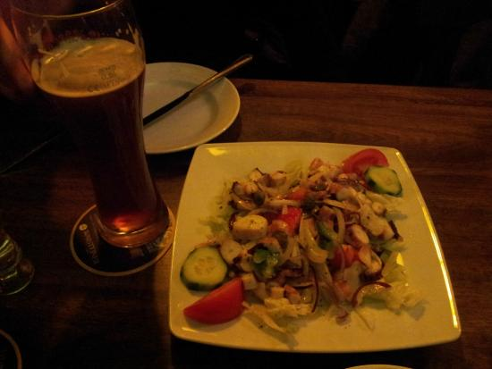 Taverna Dimokritos: the tastiest octopus
