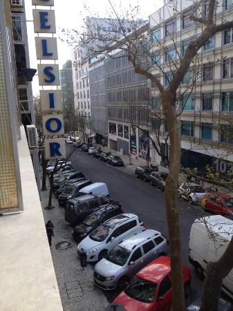 Hotel Excelsior: Rua