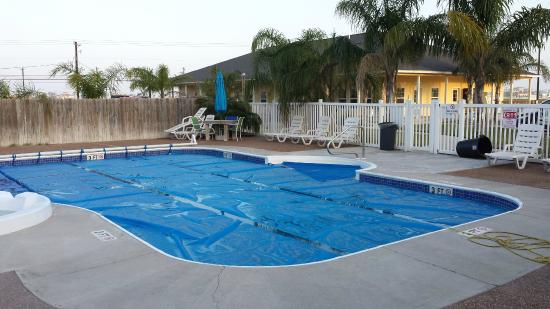 Rockport, TX: Huge pool and hot tub