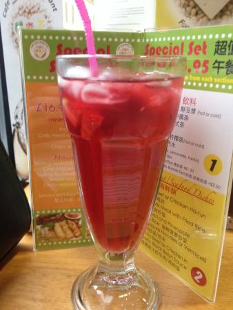 Cafe Soya: Fruity ice tea! A must have!