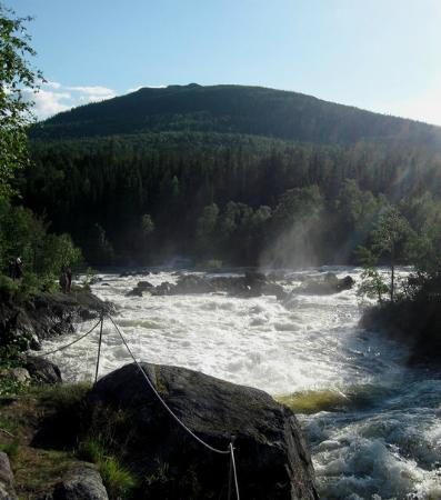 Пяозерский, Россия: Вид на Кивакку с Киваккакоски