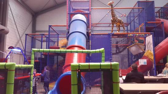 Binnenspeeltuin De Grote Giraf