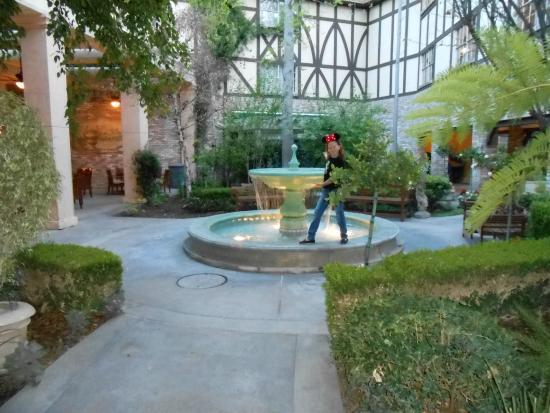 anaheim majestic garden hotel gardens - Majestic Garden Hotel Anaheim