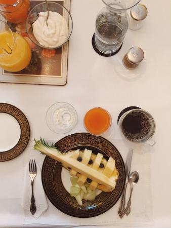 Ellwanger Estate: Beautiful + delicious breakfasts!