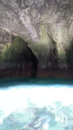 Dogashima Tensodo Cave : 青の洞窟!