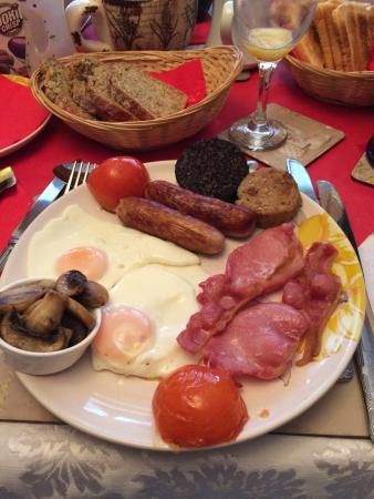 Evergreen Bed & Breakfast: Colazione full