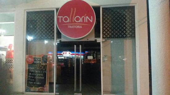 Tallarín - Trattoria: Signage.