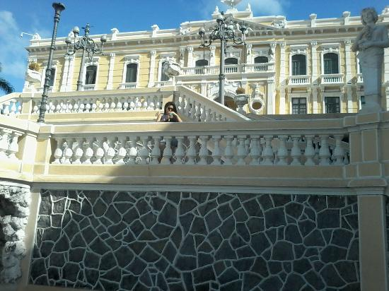 Hotel Prata: frente do Palácio do Governo próximo ao hotel