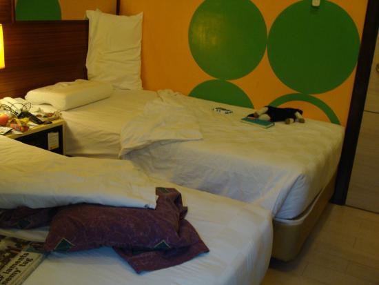 Go Hotels Tacloban: A tiny, tiny room