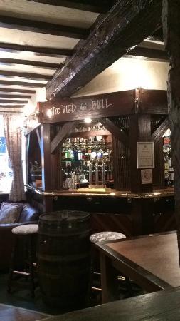 Pied Bull Inn: Lovely bar