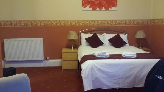 Dumfries Villa: Room 5 (Double Bed)