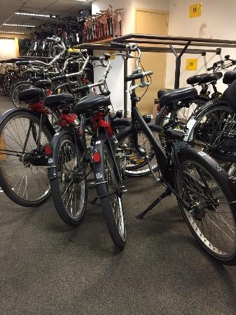 Amsterdam Black Bikes: Good bikes at affordable price!