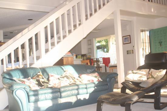 Wai Ola Vacation Paradise : Living Room