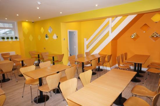 The Shores Hotel: Breakfast Room