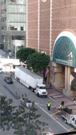 Hilton Checkers Los Angeles: Movie being filmed next door