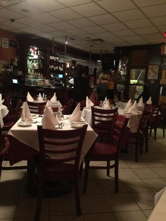 Monte's Trattoria: Italy old style