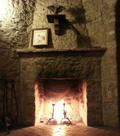 Quarters at Presidio la Bahia: Fireplace in the corner of the living area