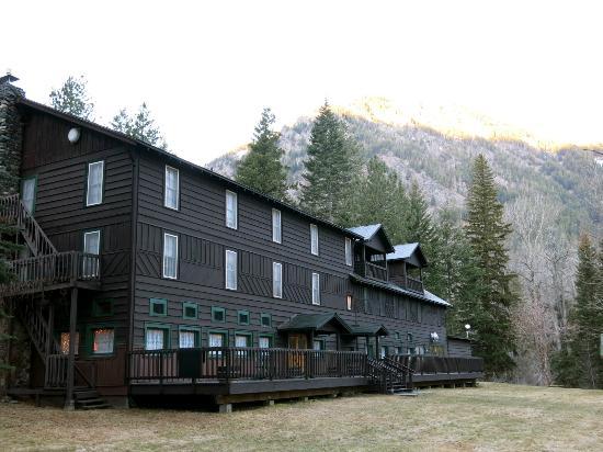 Wallowa Lake Lodge: Lake Side of Lodge